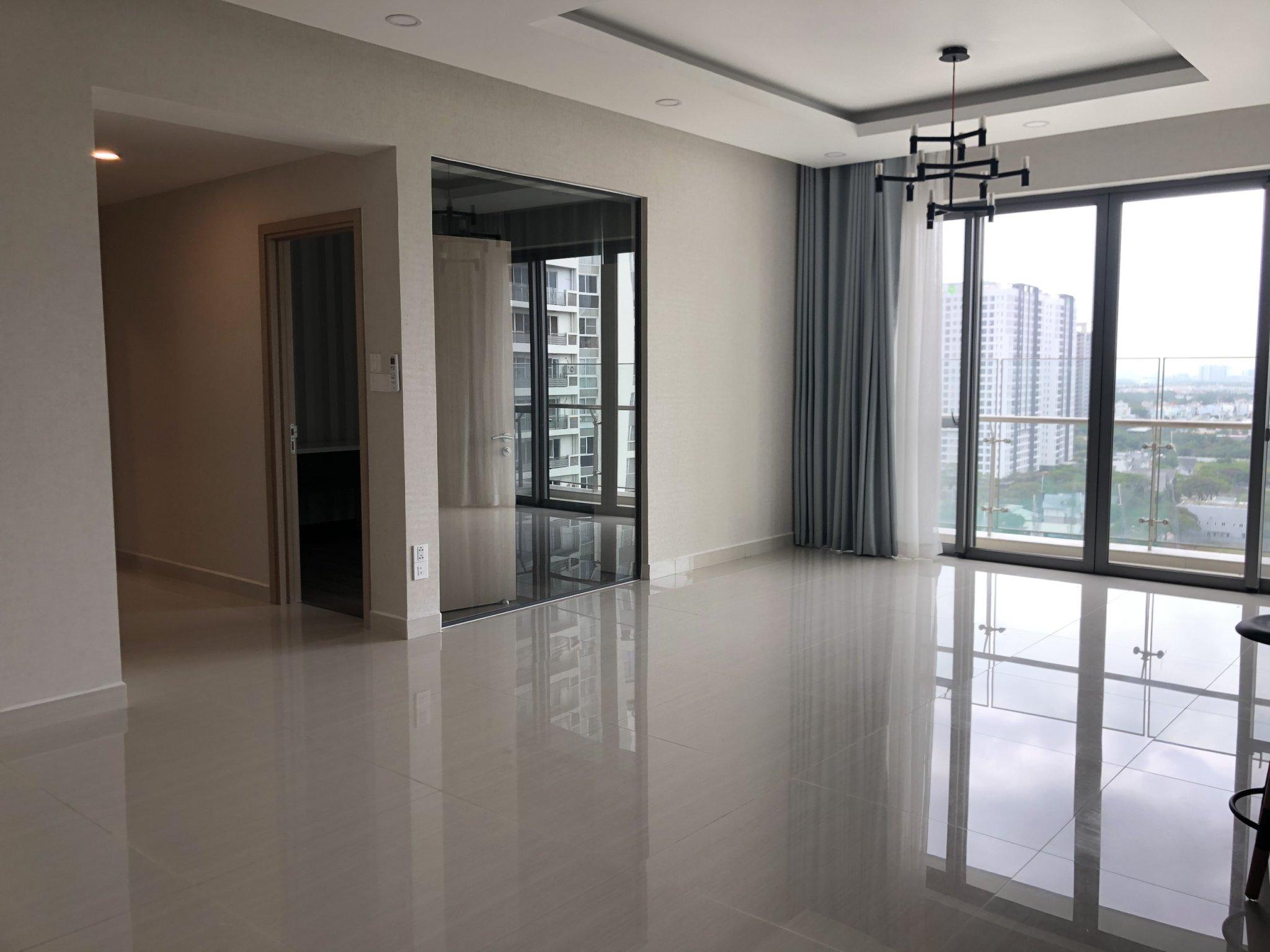 big-livingroom-apartment-for rent-riverpark-premier