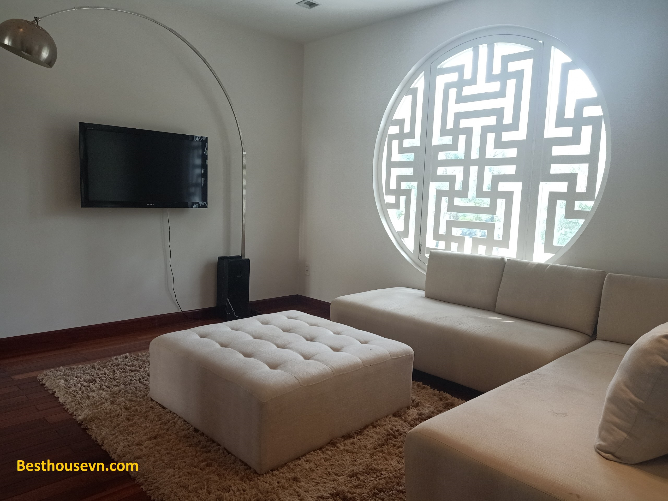swimming-pool-Villa-for-rent-in-phu-my-hung-3