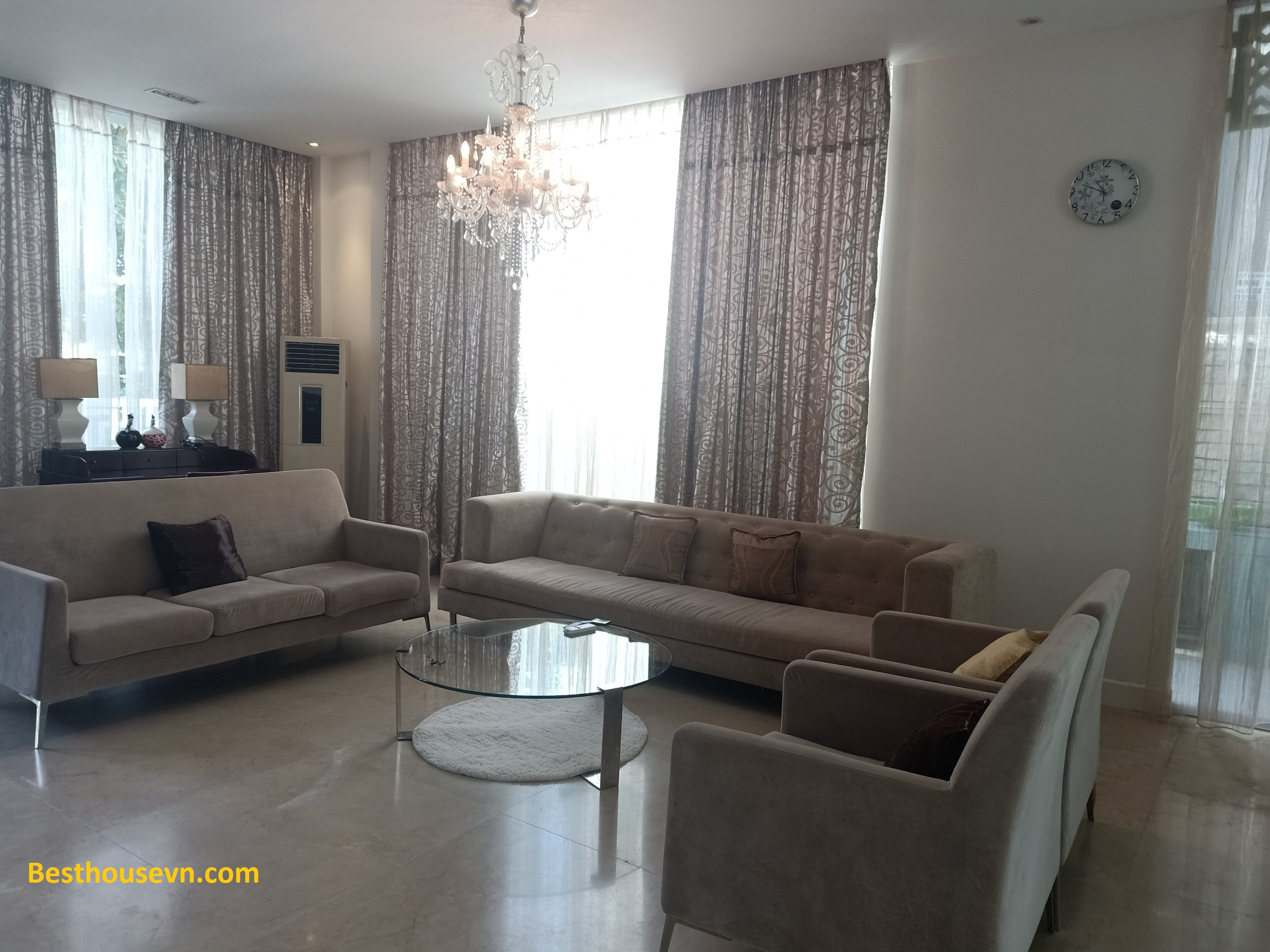 swimming-pool-Villa-for-rent-in-phu-my-hung-4