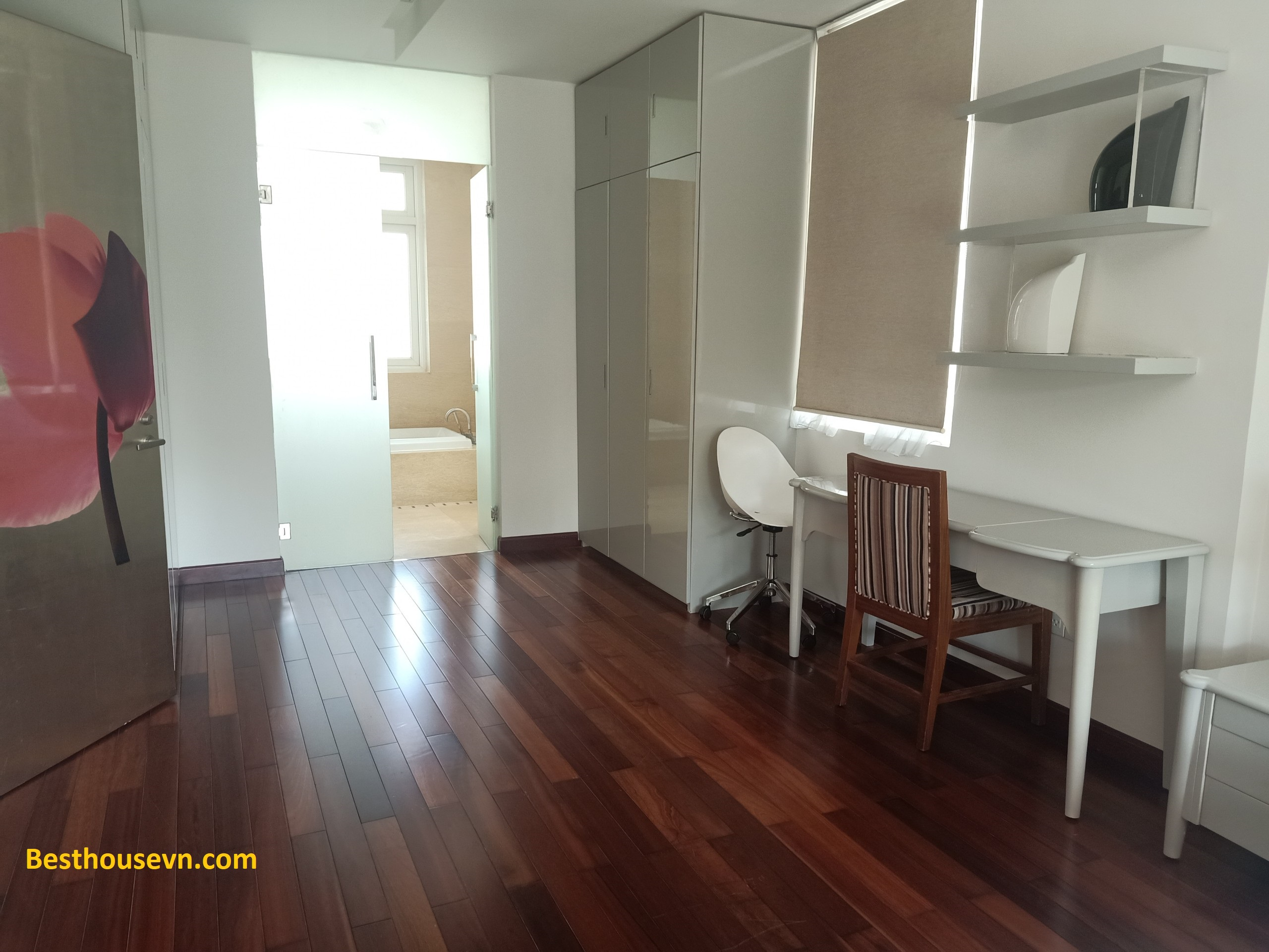 swimming-pool-Villa-for-rent-in-phu-my-hung-6