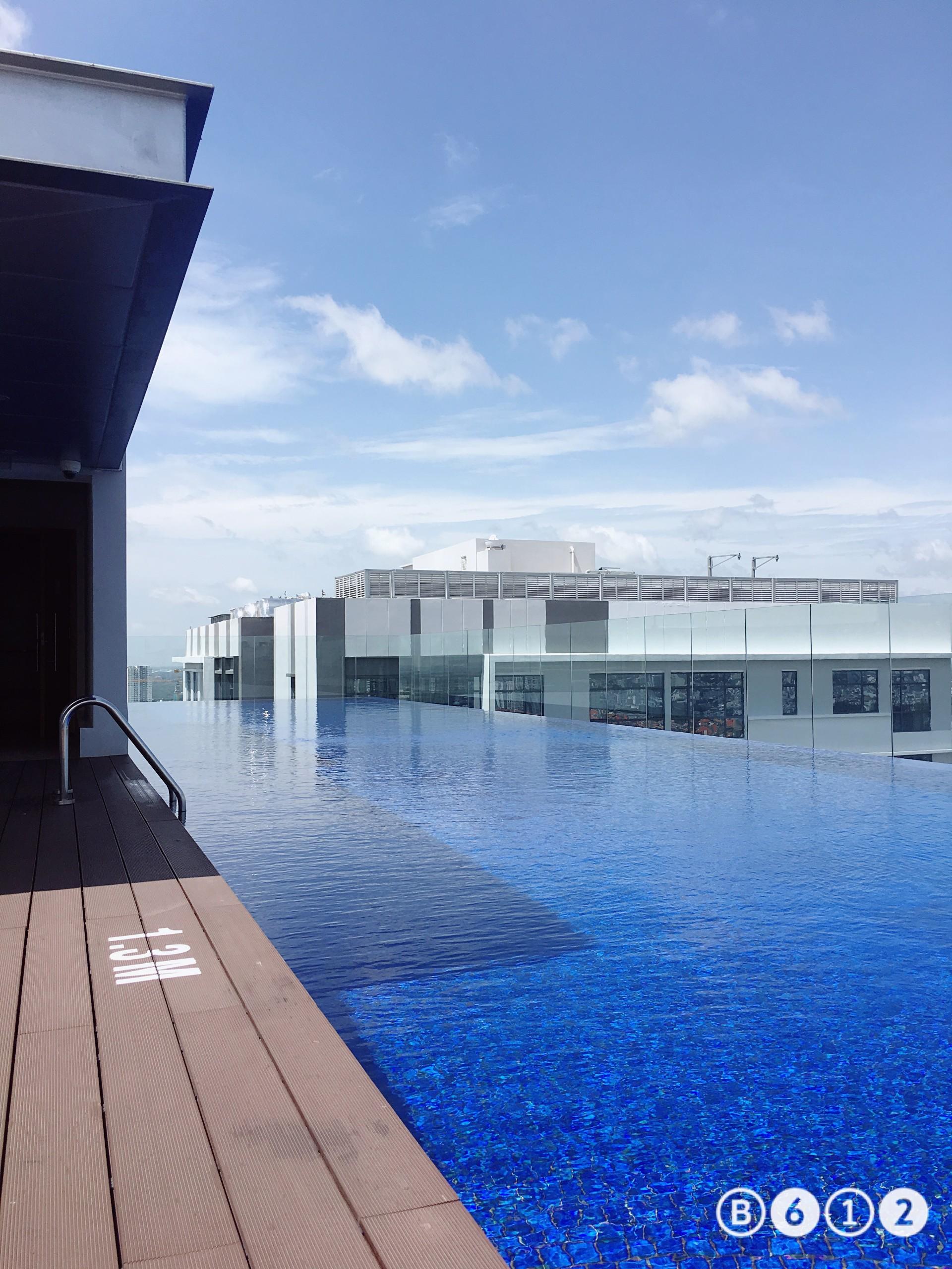 infinity-pool-in richlane