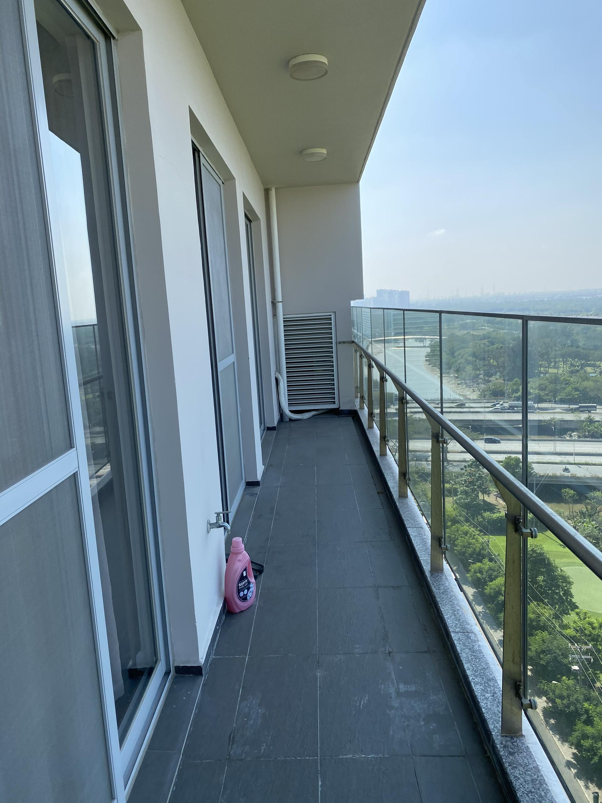 Cho thuê căn hộ scenic Valley diện tích lớn