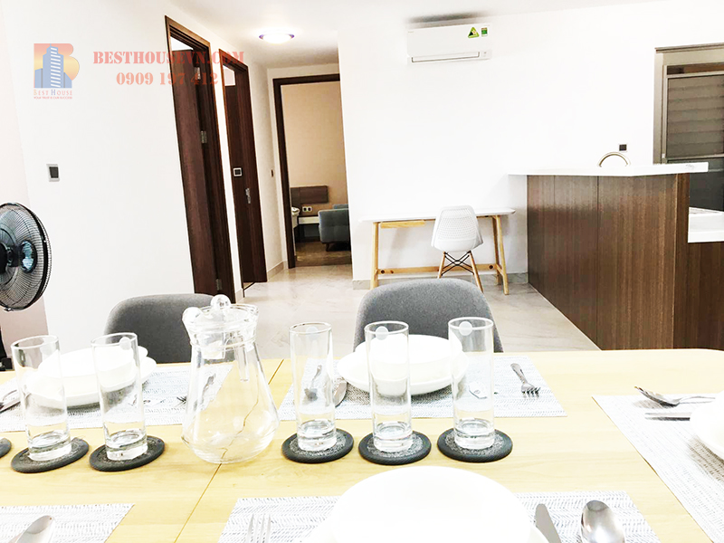 Midtown-M7-nice-view-apartment-and-high-floor-dining-table