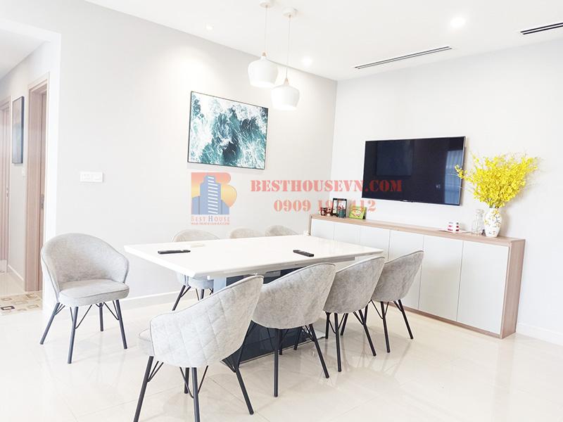 Rent beautiful Riverpark Premier apartment