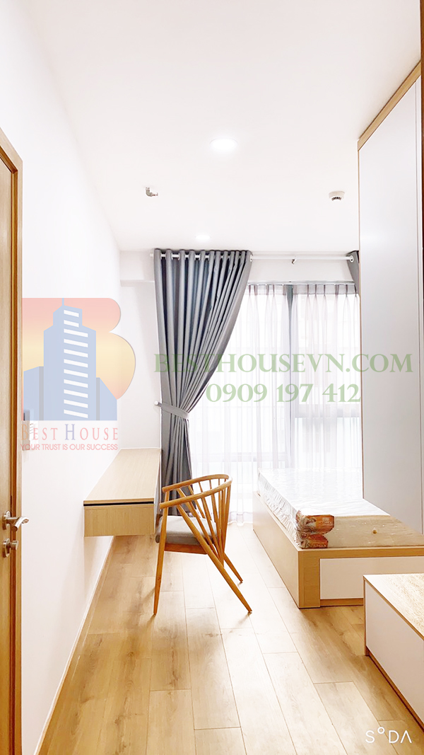 Urban-Hill-apartment-elegant-white-design-District-7 (1)